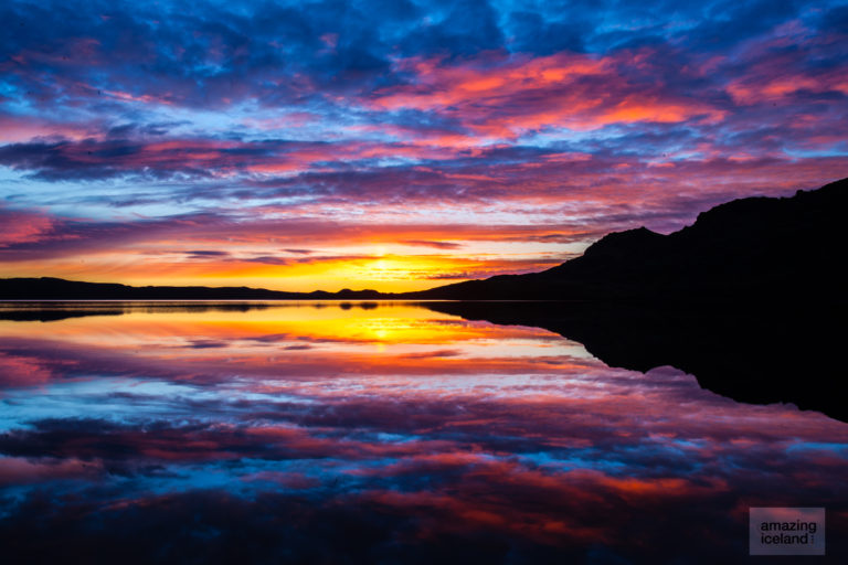 Sunset at lake Kleifarvatn in Reykjanes Iceland